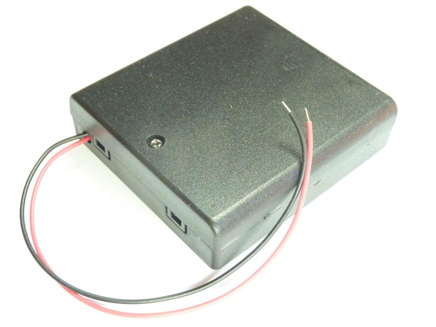 Gniazdo na 4 baterie
