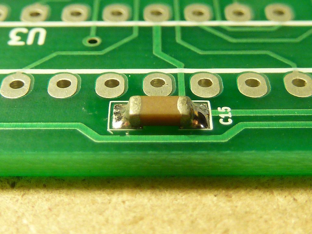 Przylutowany komponent SMD