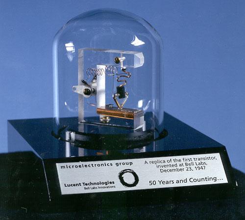 Replika pierwszego tranzystora